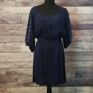 GORGEOUS NAVY BLUE DRESS WITH LACE DETAILS